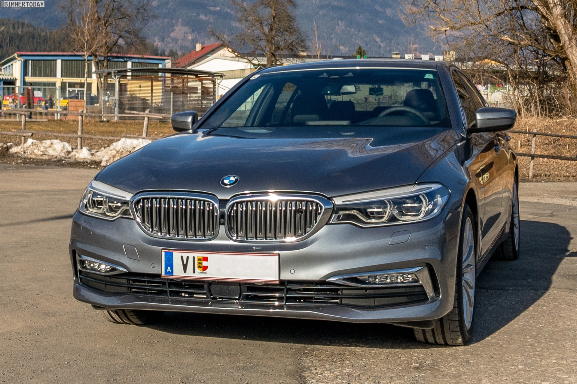 Bmw 5er G30 Erste Fotos Zur Luxury Line In Bluestone Metallic