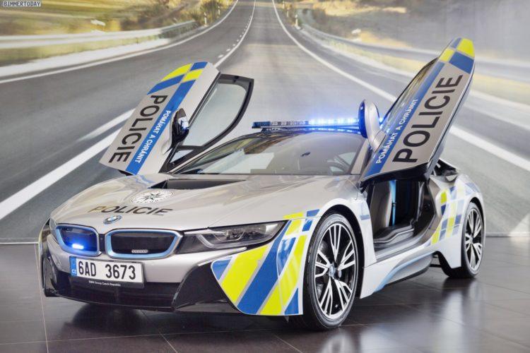 Bmw I8 Polizei In Prag F 228 Hrt Plug In Hybrid Sportwagen