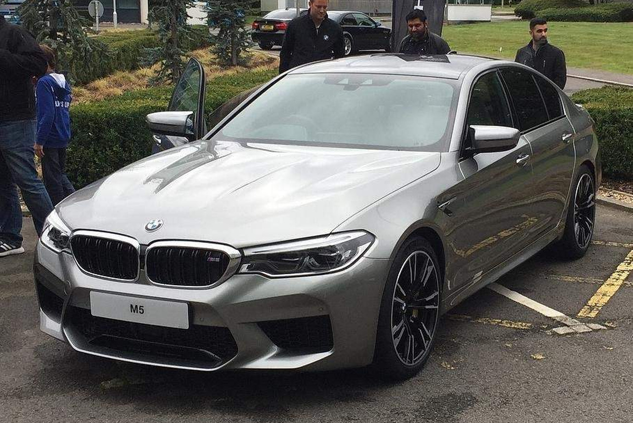 Bmw M5 F90 Erste Fotos In Donington Grey Metallic