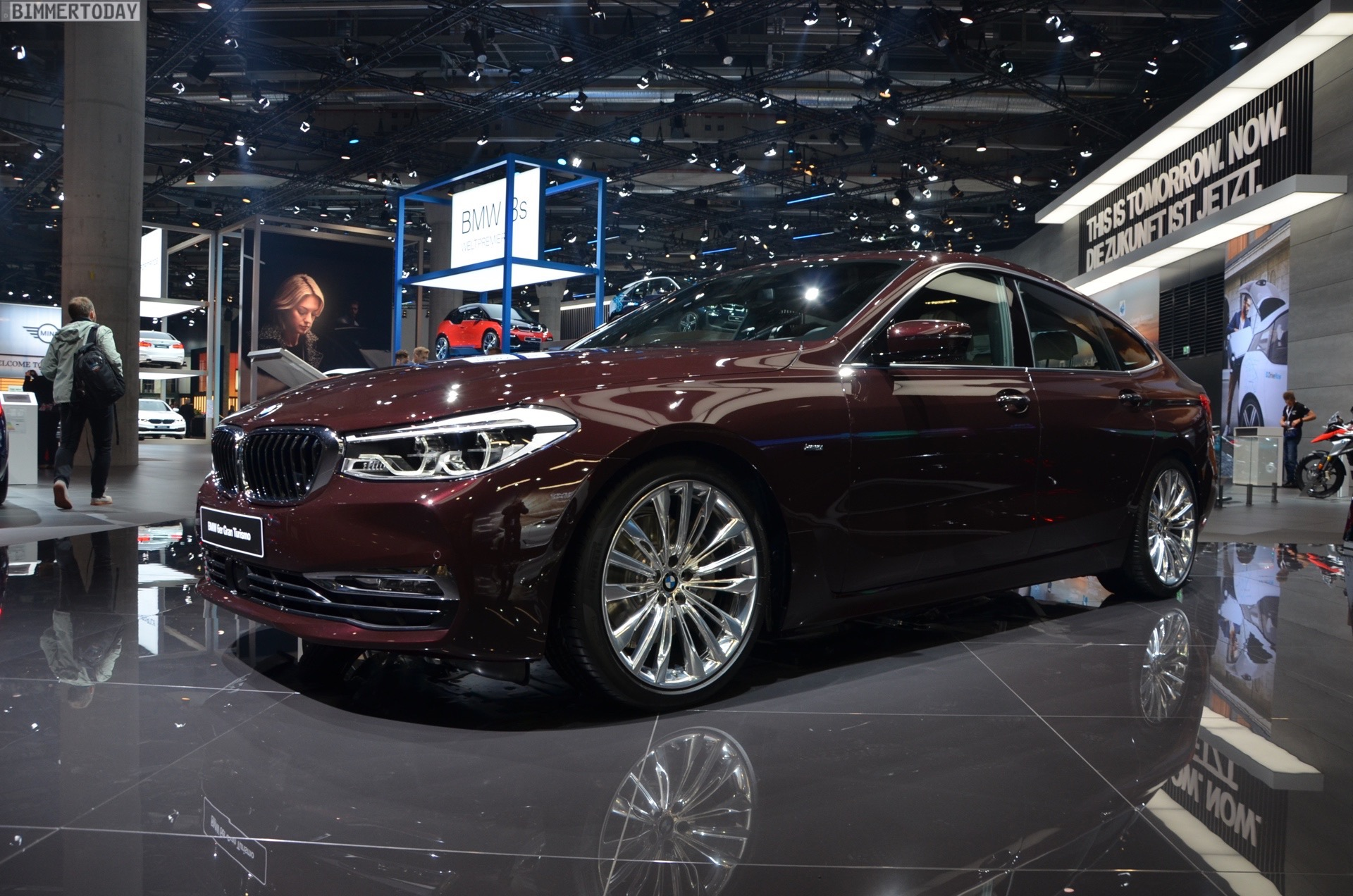 Iaa 2017 Bmw 6er Gt Deb 252 Tiert Als 630d In Royal Burgundy Red