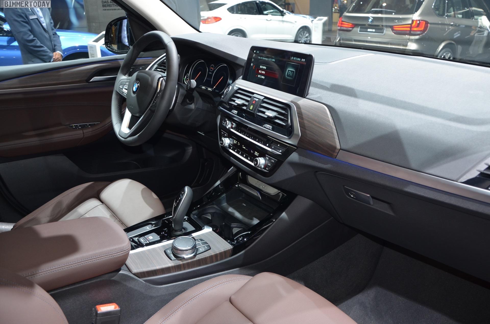 https://cdn.bimmertoday.de/wp-content/uploads/2017/09/IAA-2017-BMW-X3-G01-xDrive30d-xLine-Sophistograu-Interieur-Live-08.jpg