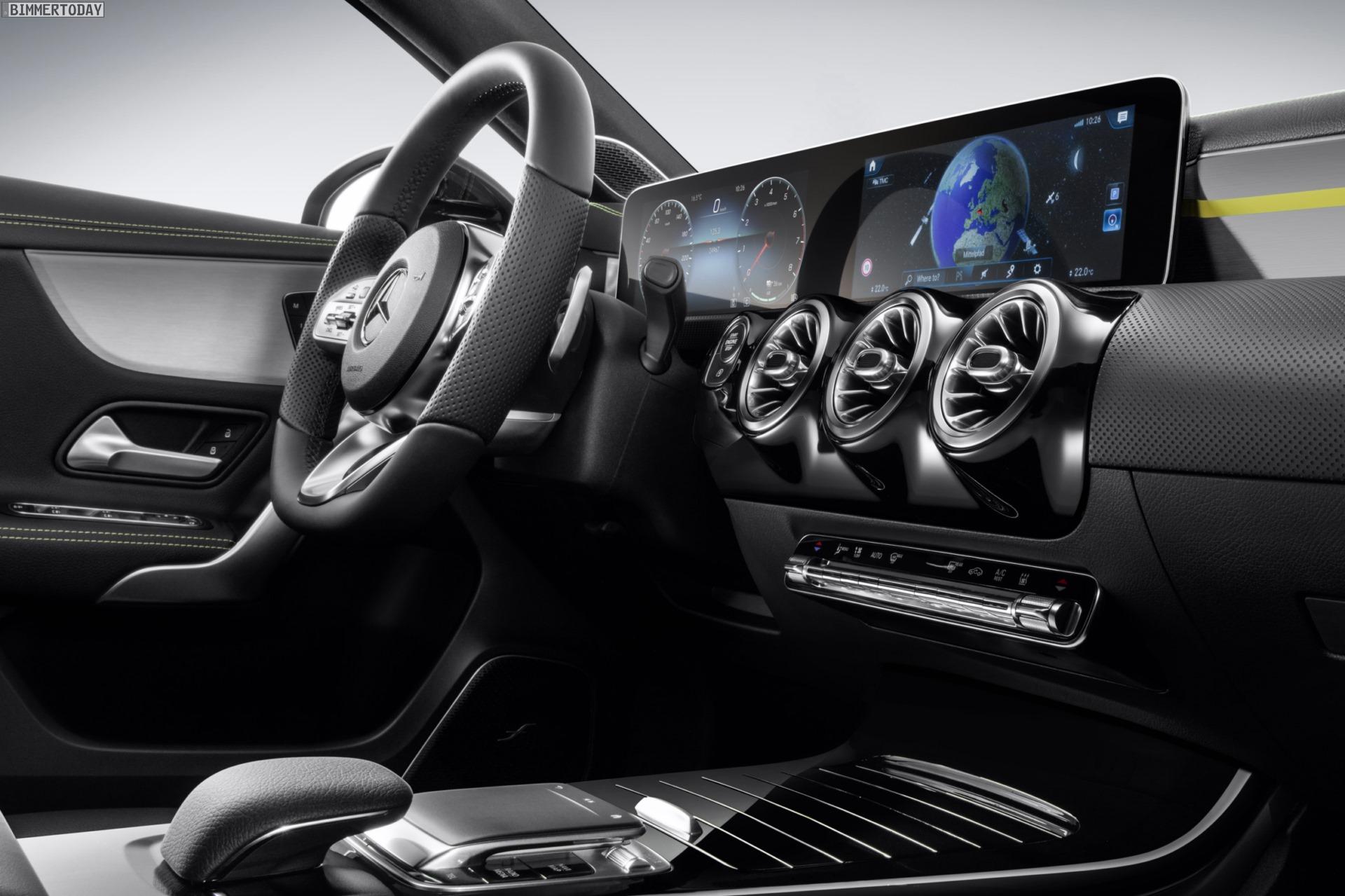 Mercedes A Klasse 2018 Erster Blick Ins Cockpit Des 1er Rivalen