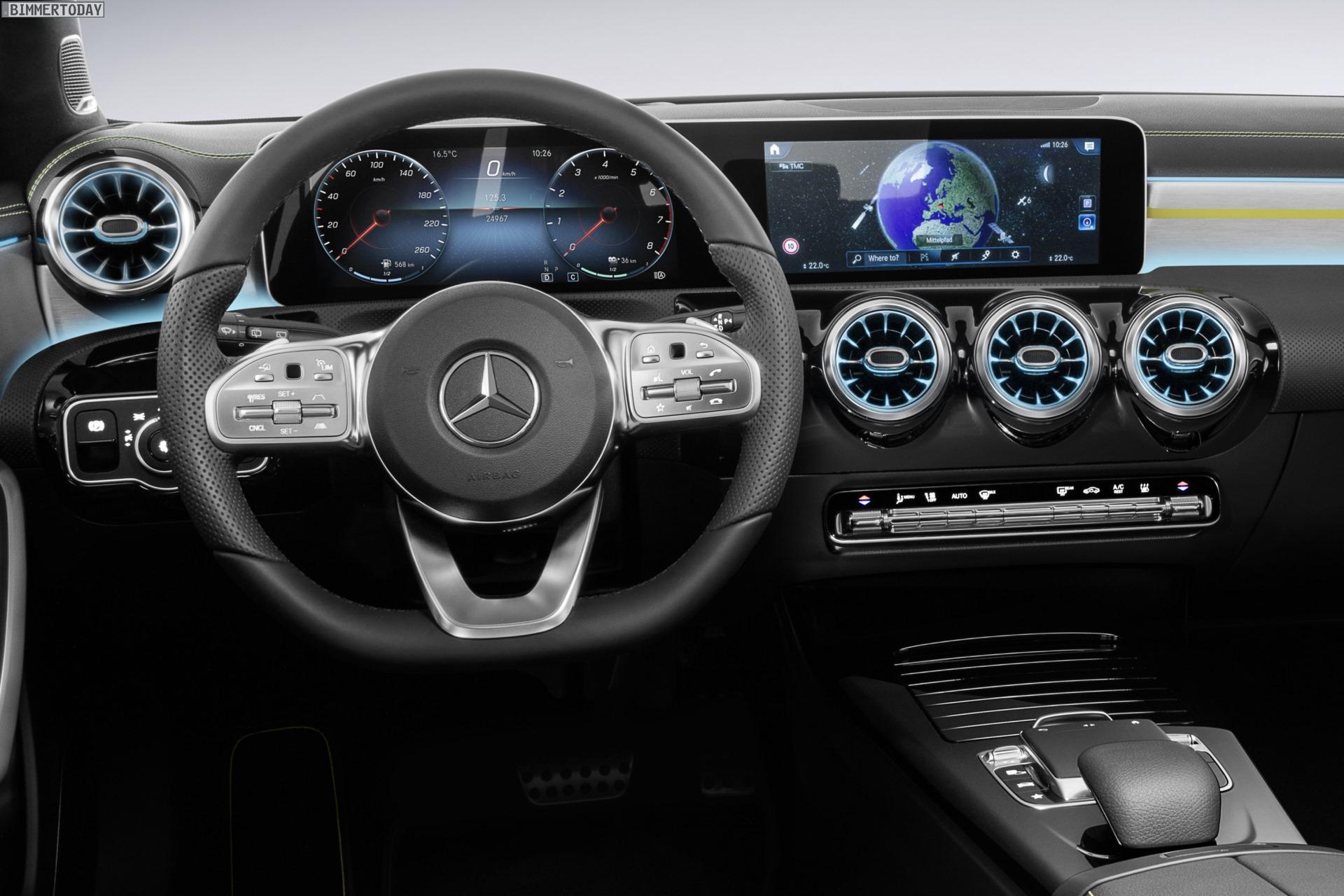 Mercedes A Klasse 2018 Erster Blick Ins Cockpit Des 1er