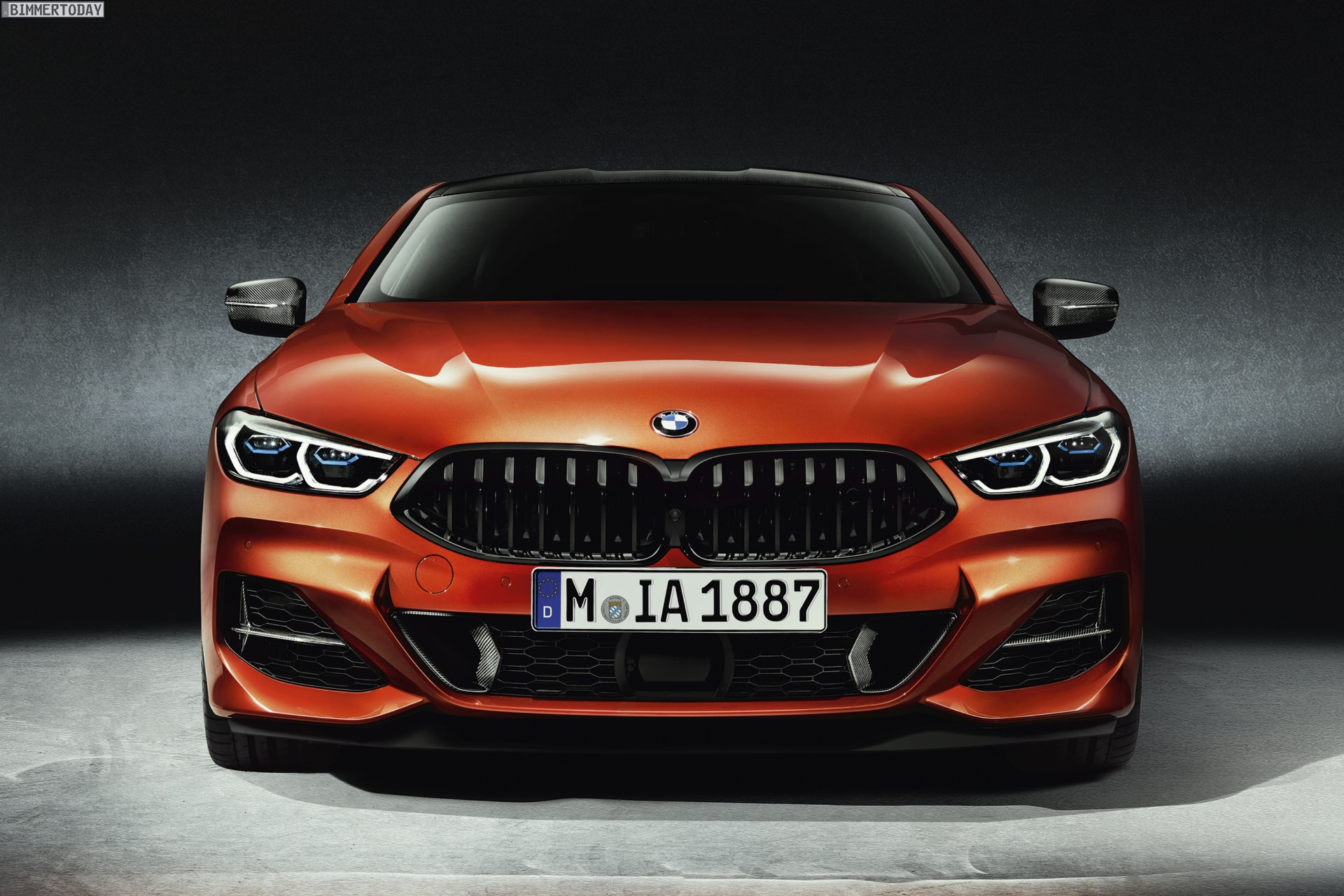 Extrascharf Bmw M850i G15 Mit Carbon Paket In Sunset Orange