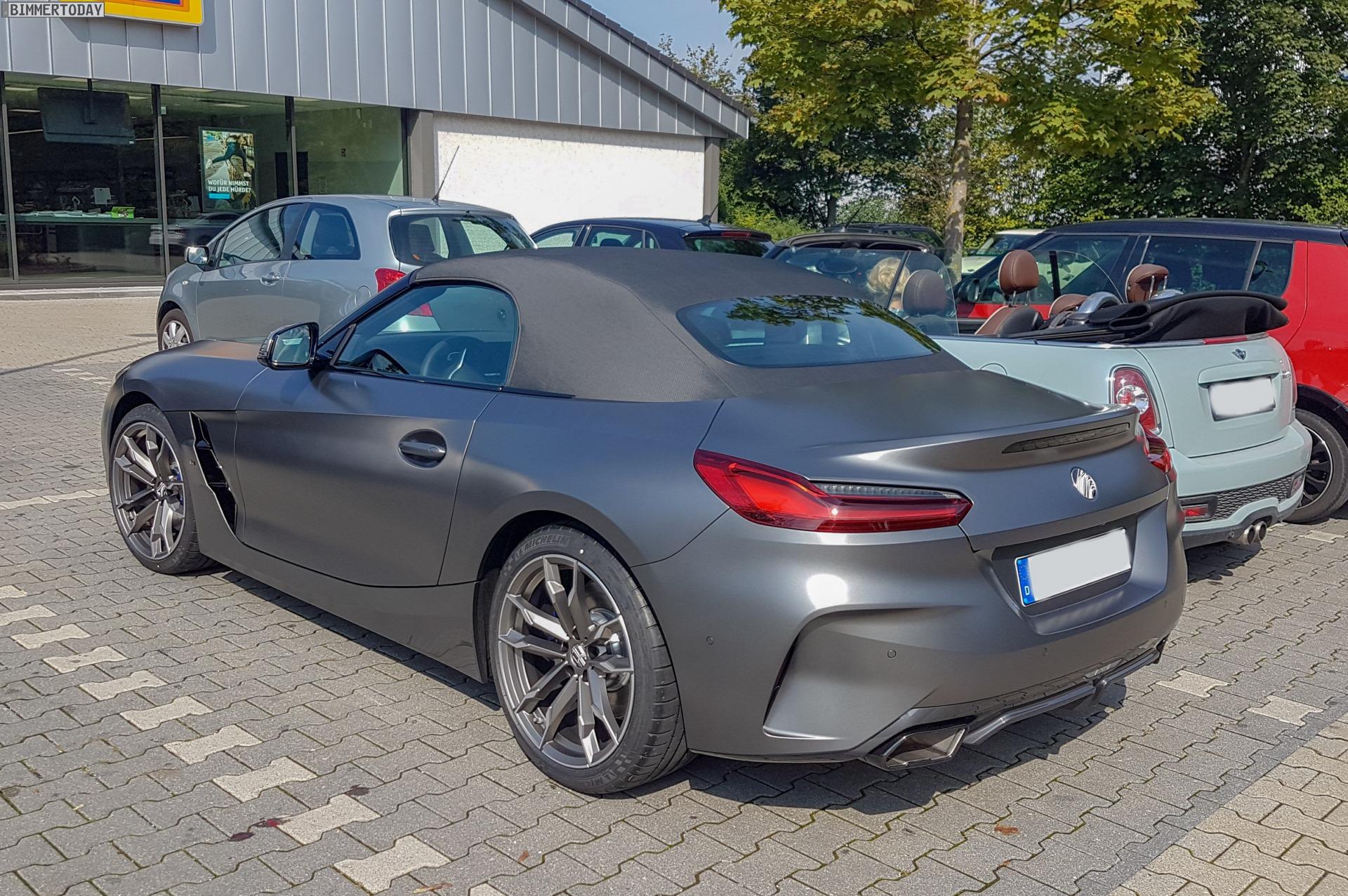 Bmw Z4 Roadster Neue Live Fotos Zum G29 In Dunkelgrau