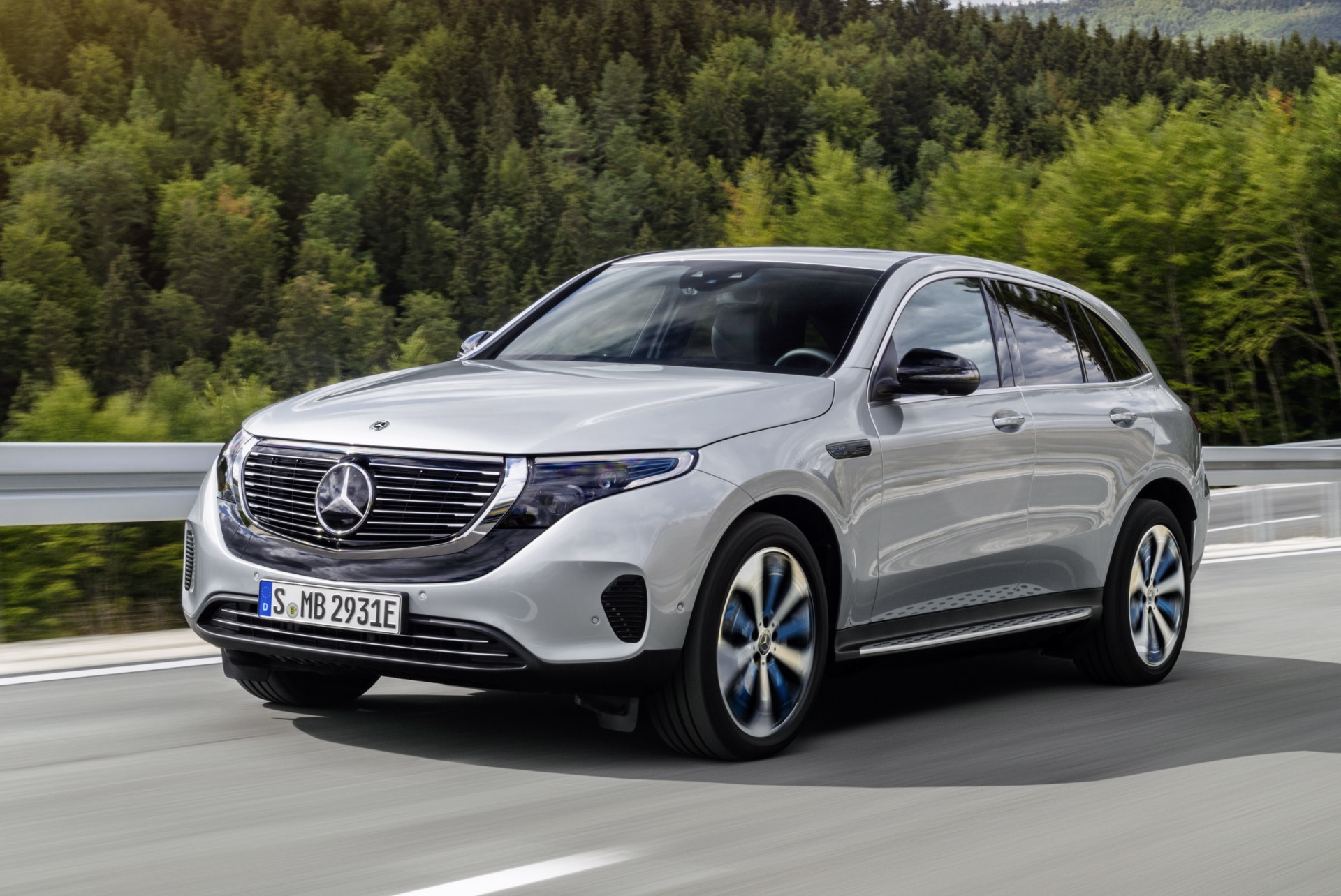 Mercedes Eqc Elektro Suv Auf Glc Basis Kommt Mitte 2019