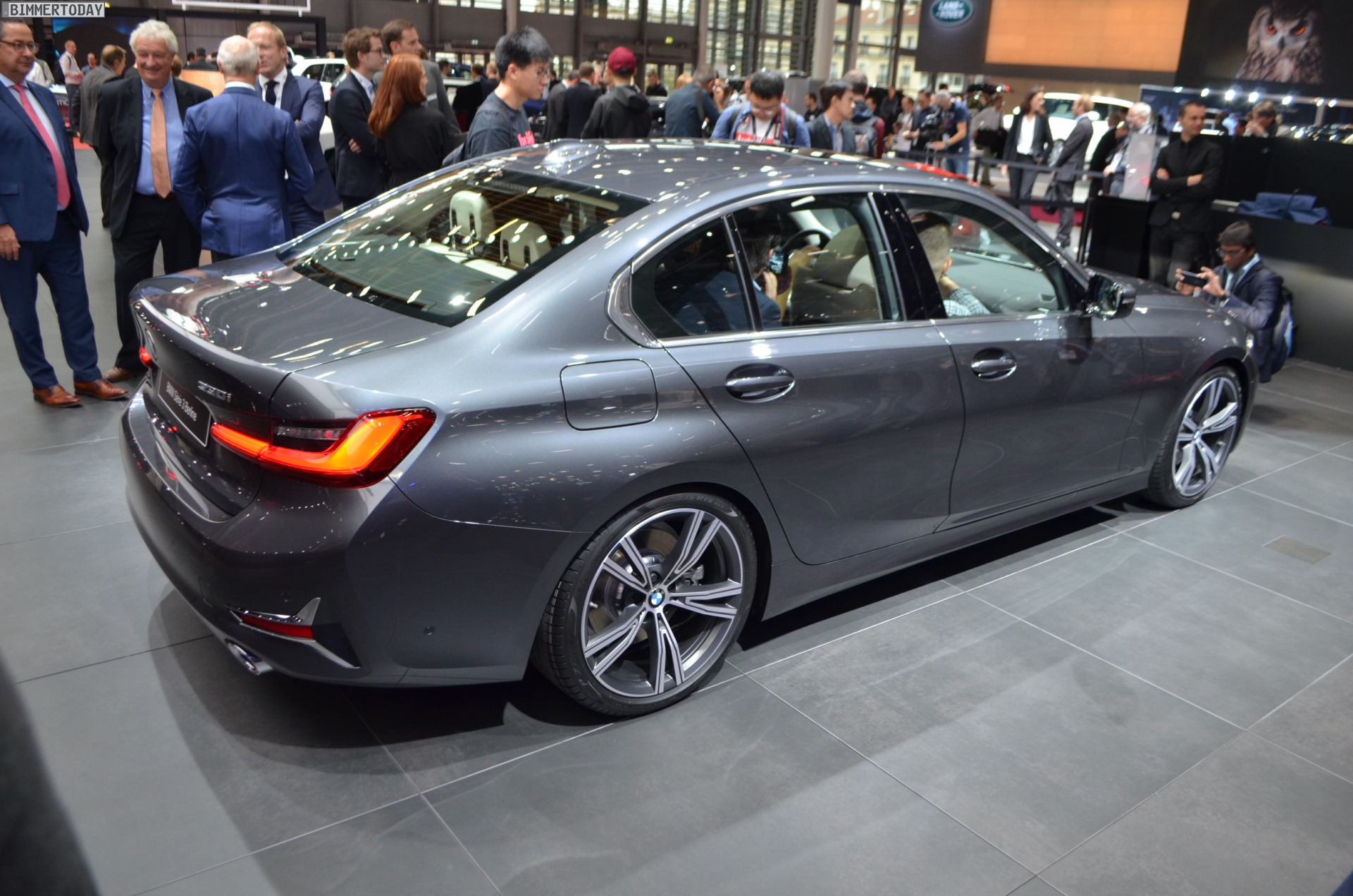 Bmw 3er G20 Live Fotos Zur Luxury Line In Mineralgrau