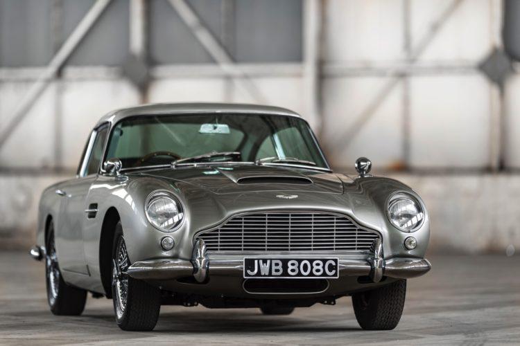 James Bond Fährt Aston Martin Db5 Mit Bmw S54 Motor