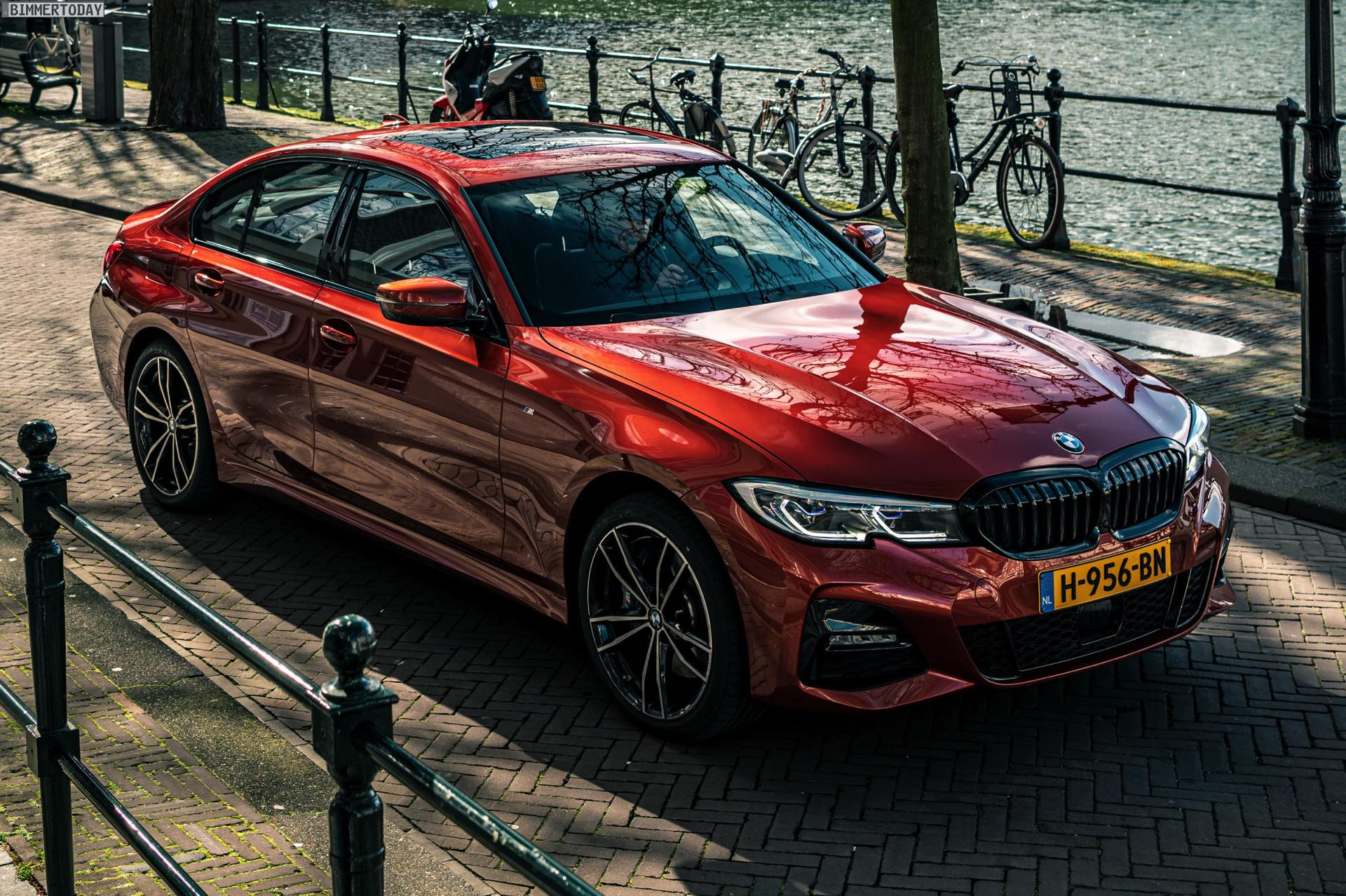 Bmw 3er G20 In Sunset Orange Im 330e M Sport Durch Holland