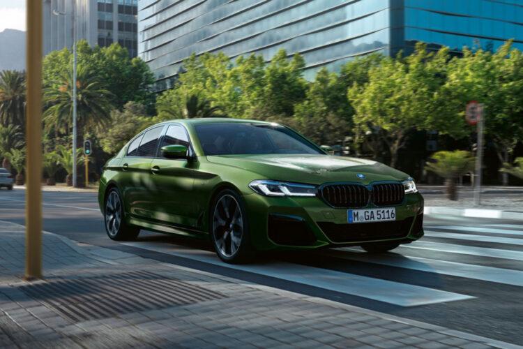 Bmw M550i Facelift 2020 G30 Lci Mit 530 Ps In Verde Ermes