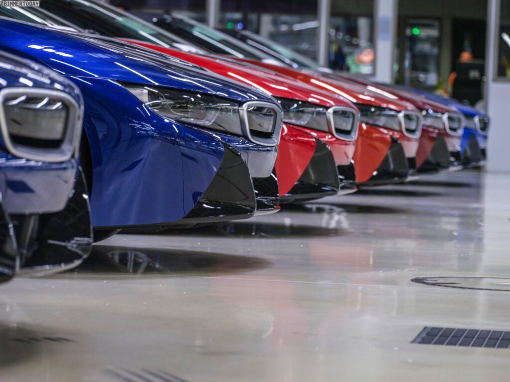 2013 - [BMW] i8 [i12] - Page 23 BMW-i8-Finale-Werk-Leipzig-Individual-Roadster-05-1024x768