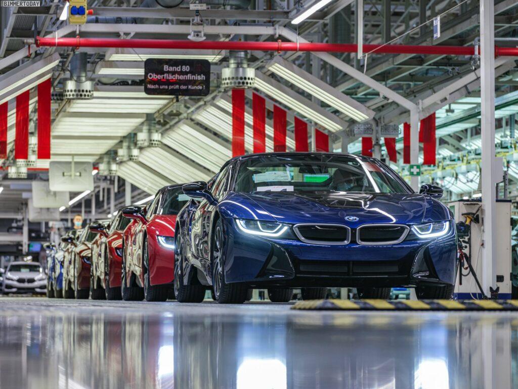2013 - [BMW] i8 [i12] - Page 23 BMW-i8-Finale-Werk-Leipzig-Individual-Roadster-Produktion-02-1024x768