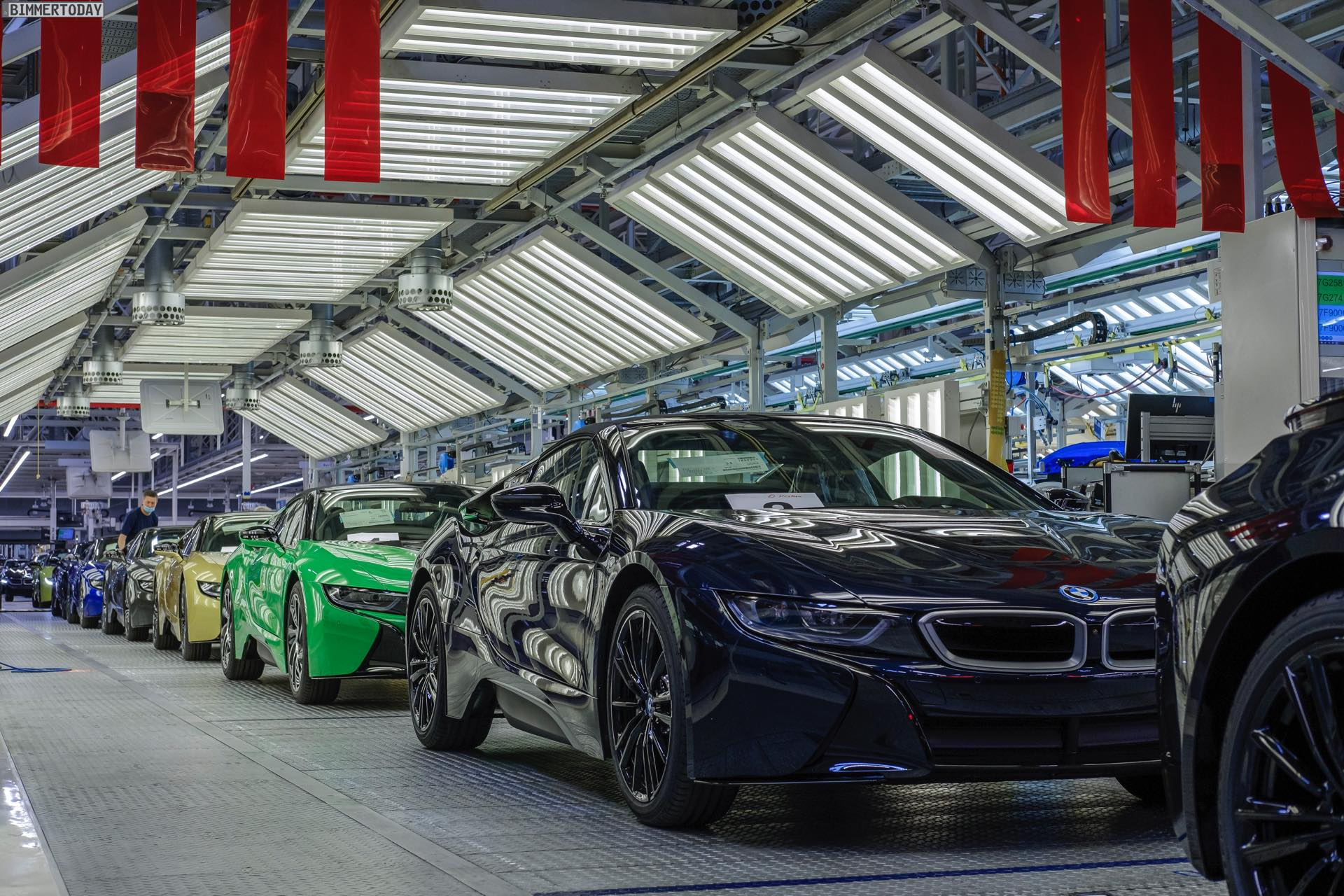 2013 - [BMW] i8 [i12] - Page 23 BMW-i8-Finale-Werk-Leipzig-Individual-Roadster-Produktion-07