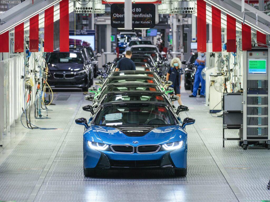 2013 - [BMW] i8 [i12] - Page 23 BMW-i8-Finale-Werk-Leipzig-Individual-Roadster-Produktion-08-1024x768