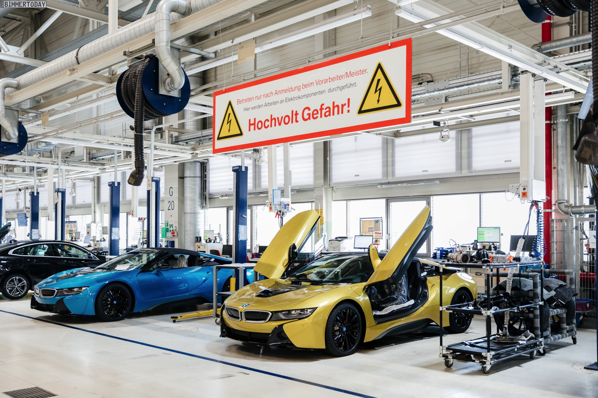 2013 - [BMW] i8 [i12] - Page 23 BMW-i8-Finale-Werk-Leipzig-Individual-Roadster-Produktion-14