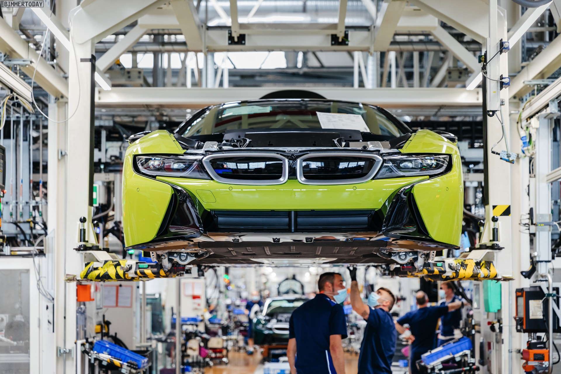 2013 - [BMW] i8 [i12] - Page 23 BMW-i8-Finale-Werk-Leipzig-Individual-Roadster-Produktion-21