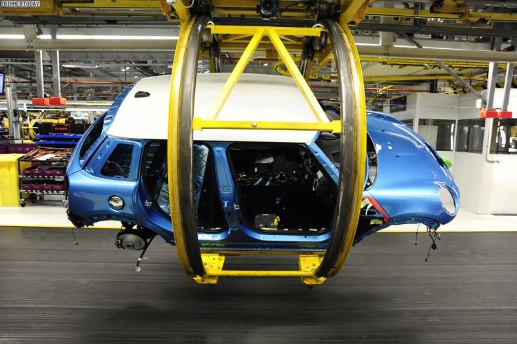 Auto-Produktion-Werk-Oxford-MINI-F55-Fuenftuerer-2014-07