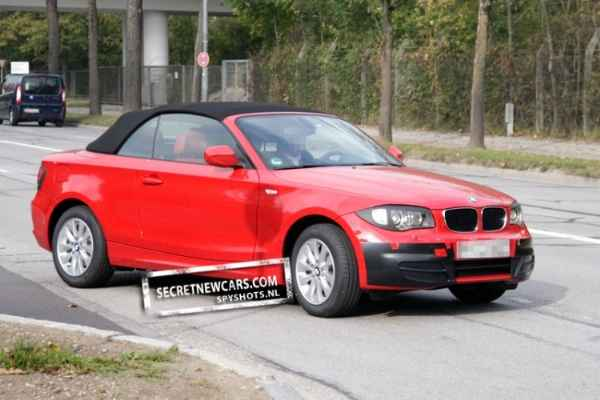 neue spyshots zeigen facelift f rs bmw 1er cabrio e88 lci. Black Bedroom Furniture Sets. Home Design Ideas