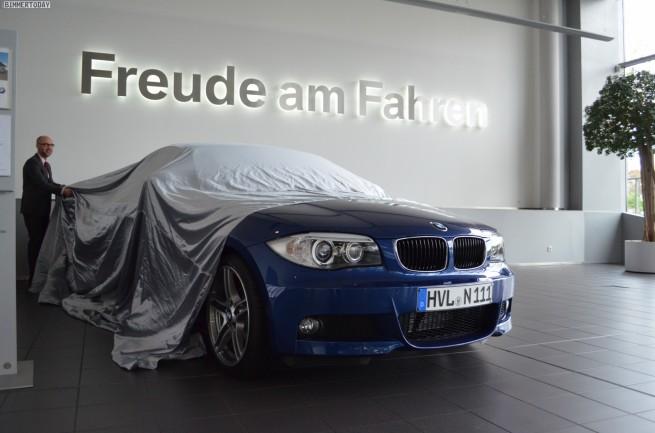BMW-1er-Cabrio-E88-The-Last-One-Produktion-Ende-E8x-Le-Mans-Blau-02