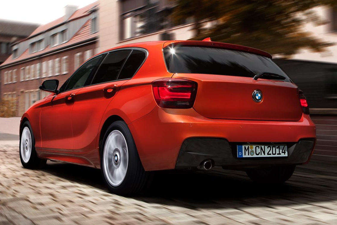 bmw 1er f20 mit m paket in valencia orange herbst auf dem. Black Bedroom Furniture Sets. Home Design Ideas