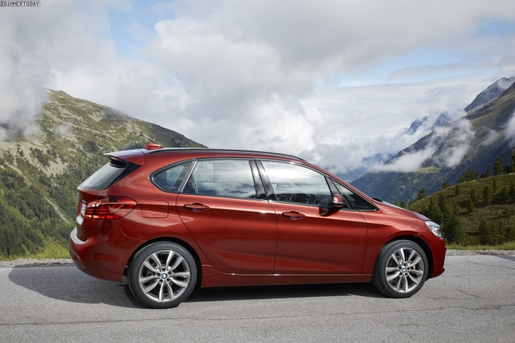 BMW-2er-Active-Tourer-xDrive-Allradantrieb-220d-225i-Technische-Daten-Preis-06