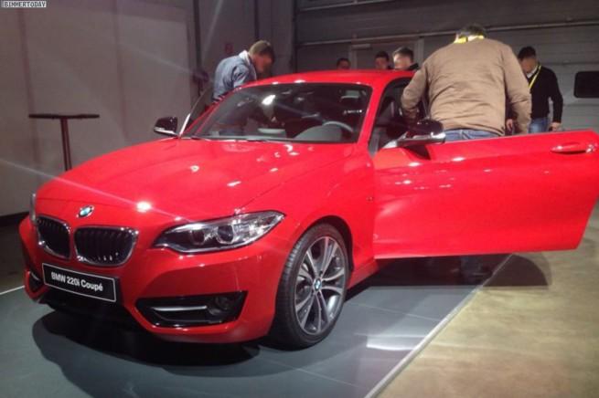 BMW-2er-Coupe-F22-Sport-Line-220i-2014-rot-3