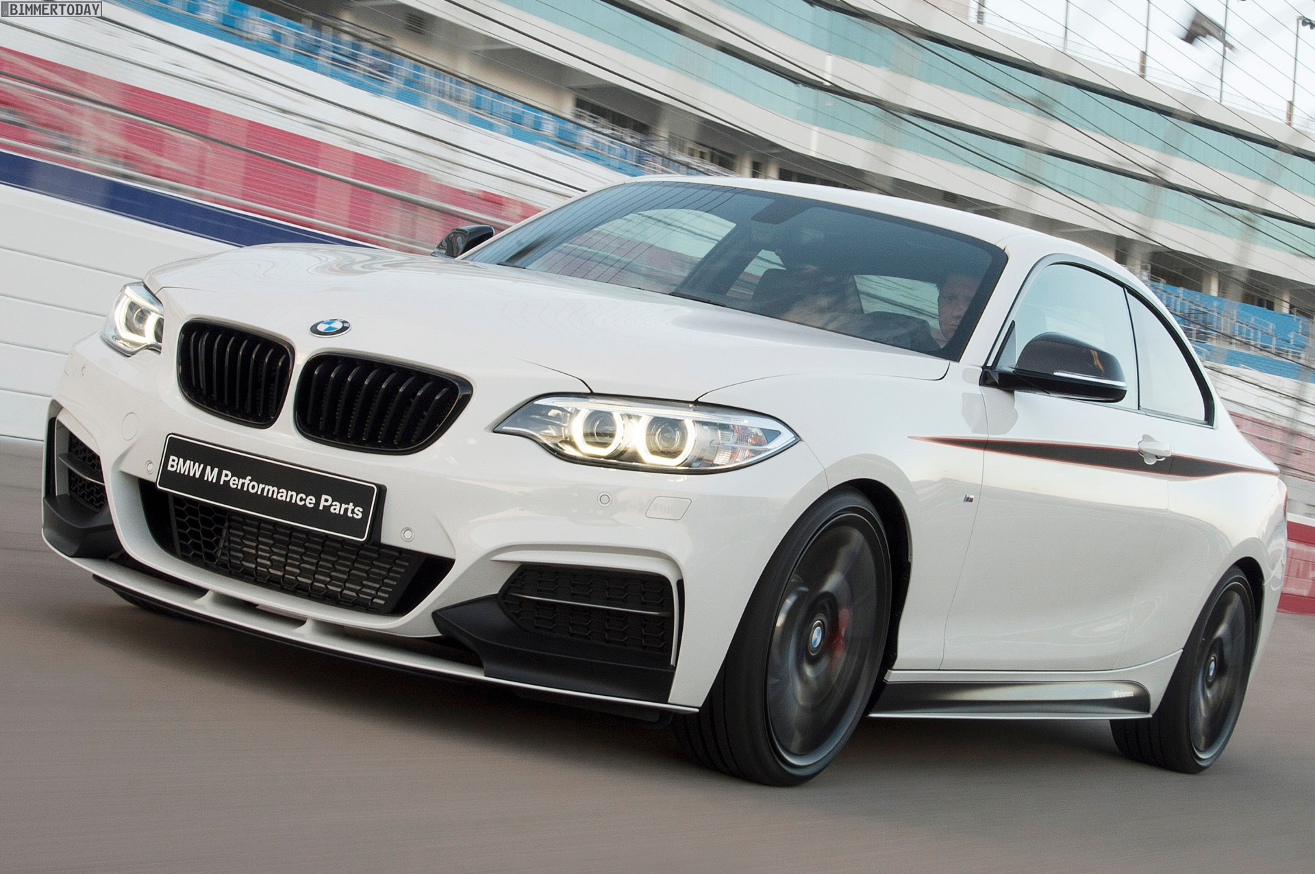 bmw m performance zubeh r m235i coup mit werks tuning. Black Bedroom Furniture Sets. Home Design Ideas