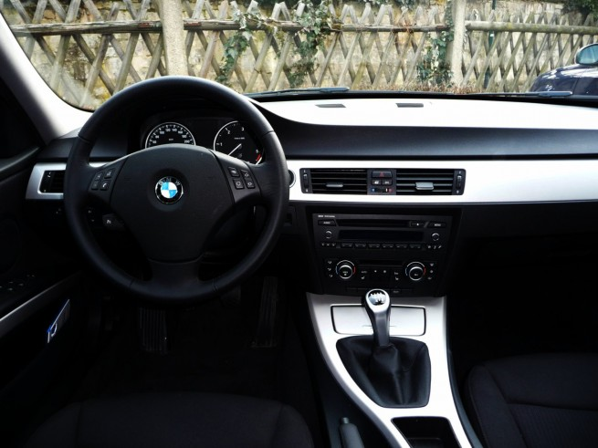 BMW-316d-E90-LCI-14