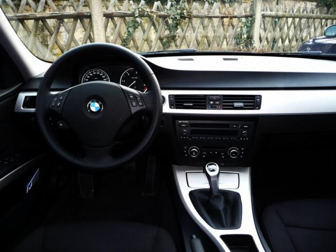 BMW-316d-E90-LCI-14