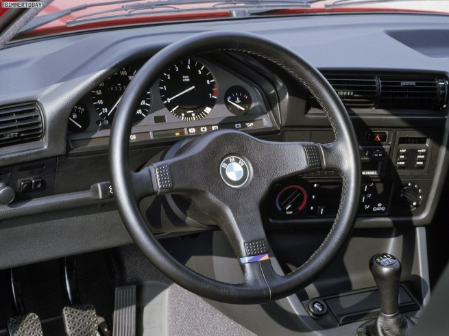 BMW-318is-E30-05
