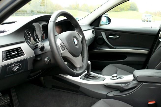 BMW-320iA-E90-05