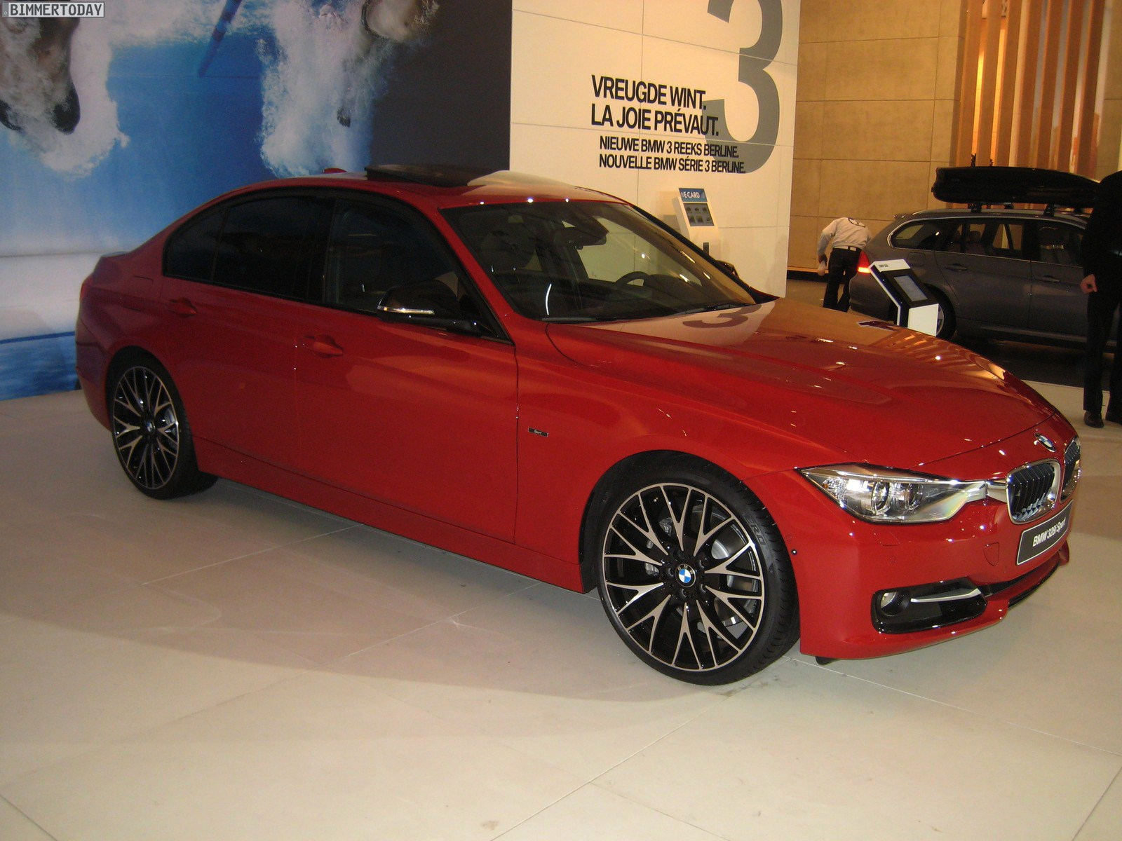 br ssel motor show 2012 mehr bilder vom bmw 3er f30 sport. Black Bedroom Furniture Sets. Home Design Ideas