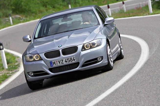 BMW-3er-Limousine-E90-LCI-02