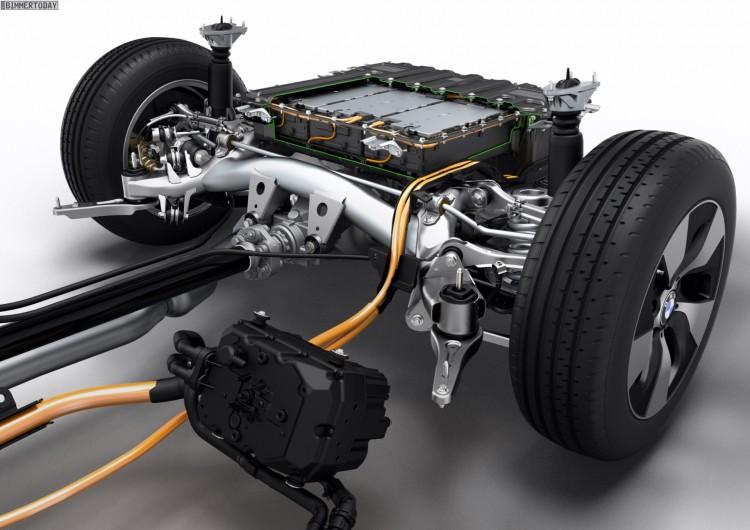 BMW-3er-Plug-in-Hybrid-F30-BMW-328i-PHEV-Prototyp-Technik-6