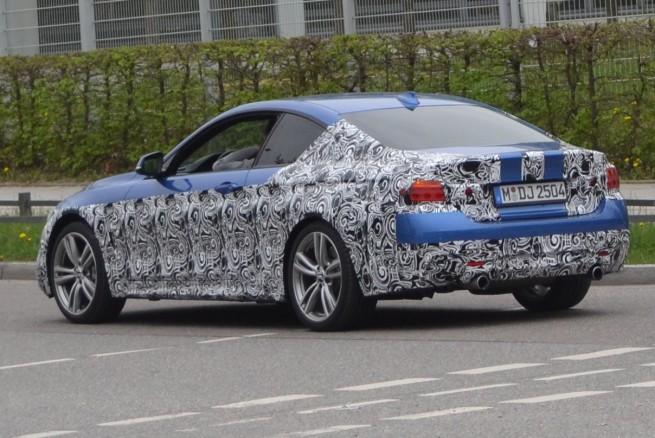 BMW-435i-M-Sportpaket-Estorilblau-Erlkoenig-03