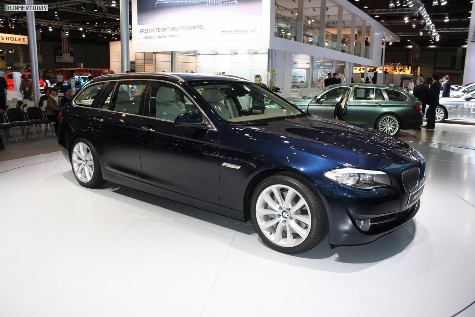 AMI 2010: Der BMW 5er Touring F11 in Imperialblau Metallic