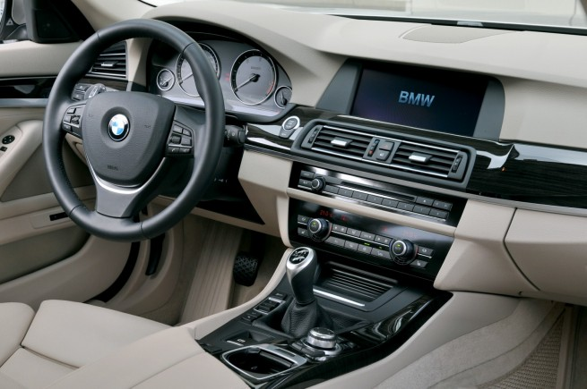 BMW-5er-Touring-F11-OnLocation-Interieur-02-