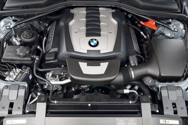 BMW-650i-E64-Motorraum