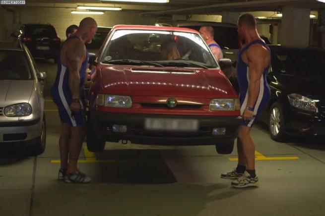 BMW-ConnectedDrive-Werbung-Parkhaus-Service-Dienste