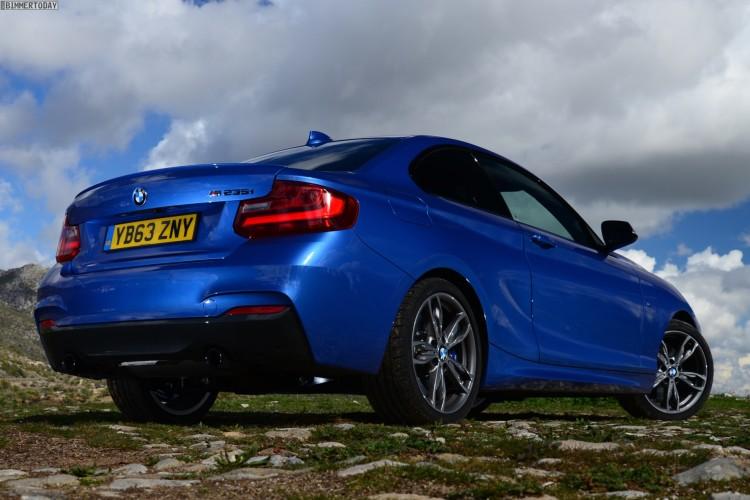 BMW-M235i-Estorilblau-2er-F22-Coupe-Estoril-Blue-06