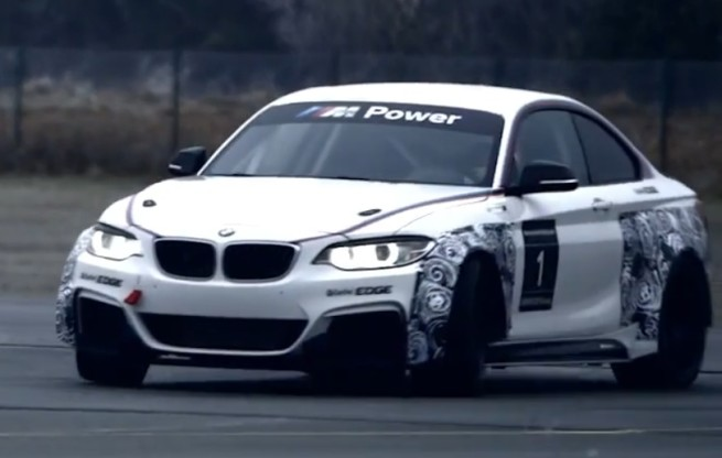 BMW-M235i-Racing-2014-Video-Screenshots-02