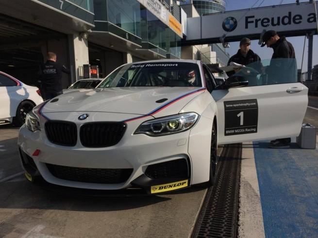 BMW-M235i-Racing-Sorg-Rennsport-VLN-2014-Detail-Fotos-01