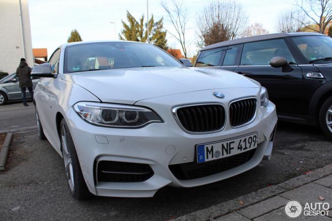 BMW-M235i-weiss-Live-Fotos-F22-2er-Coupe-Autogespot-1