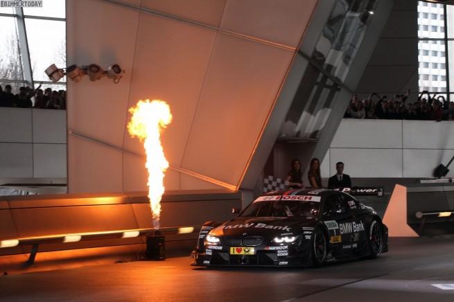 BMW-M3-DTM-2013-Motorsport-Praesentation-Welt-Muenchen-05