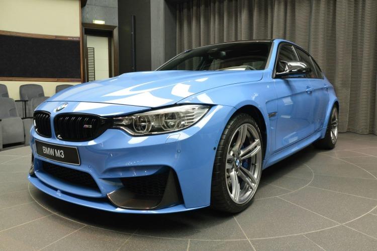 BMW-M3-F80-Tuning-BMW-M-Performance-Zubehoer-Yas-Marina-Blau-2014-01