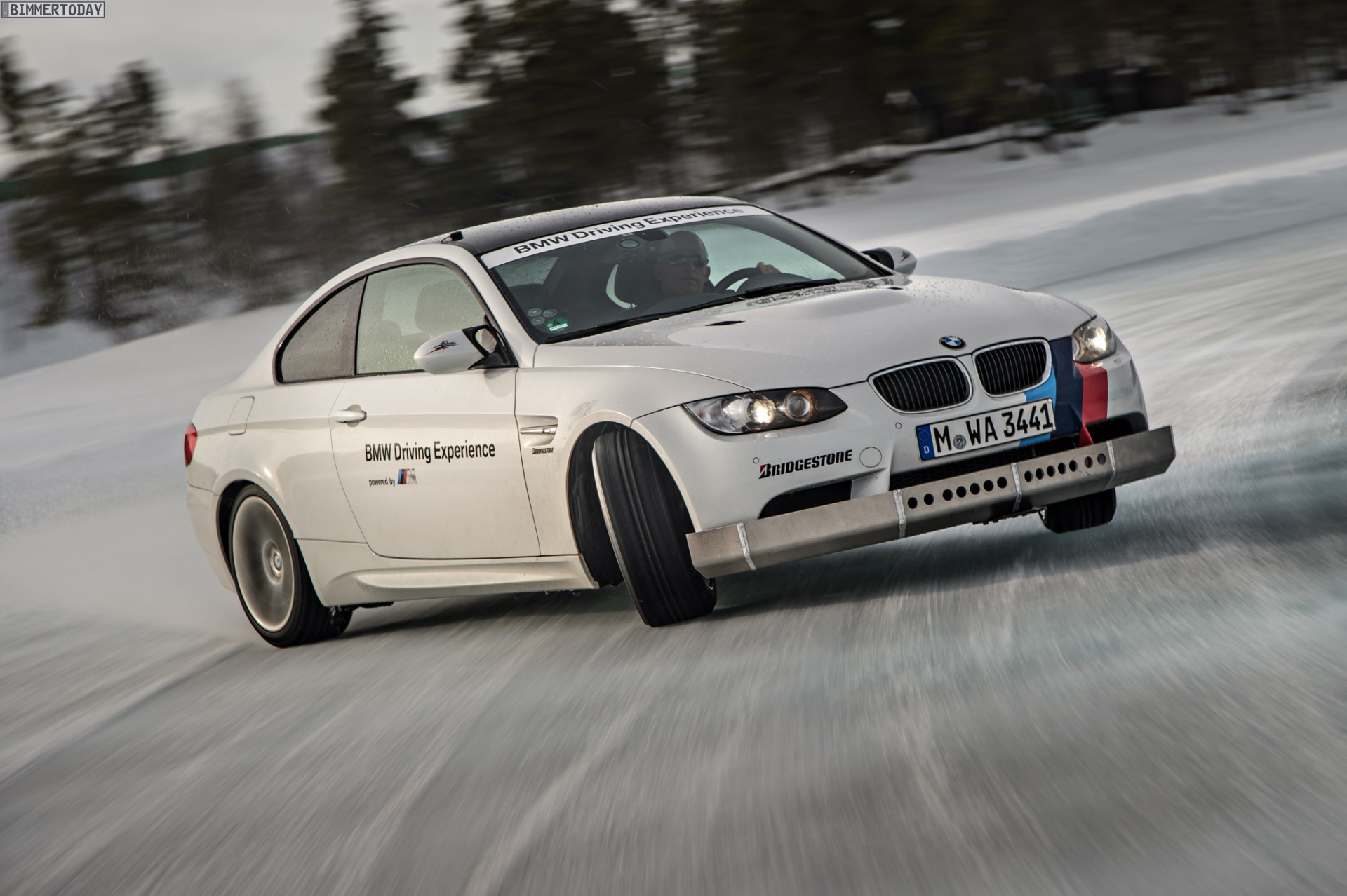 bmw ice power training drift video aus arjeplog zeigt m3. Black Bedroom Furniture Sets. Home Design Ideas
