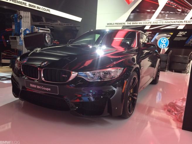 BMW-M4-2014-Detroit-Auto-Show-Live-Fotos-Black-Sapphire-Saphir-Schwarz-09
