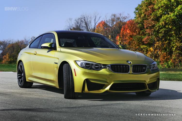 BMW-M4-Austin-Yellow-F82-Herbst-Foto-Wallpaper-01