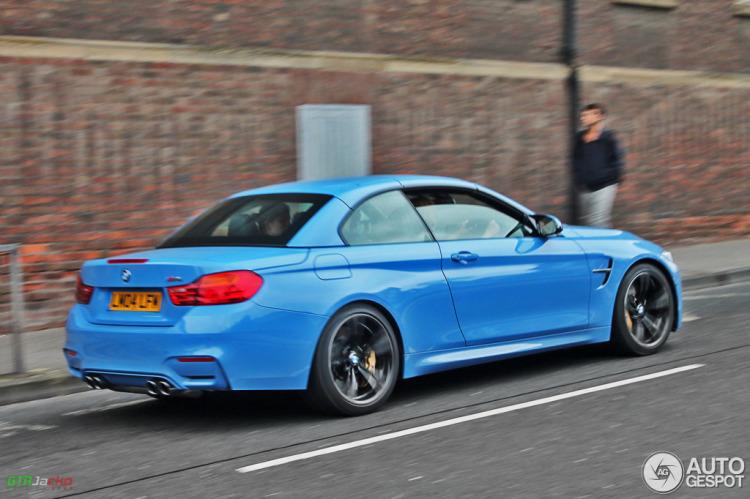 BMW-M4-Cabrio-Yas-Marina-Blau-F83-Fotos-Autogespot-2