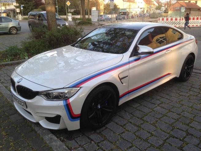 BMW-M4-F82-M-Performance-Dekor-Streifen-Tuning-Zubehoer-2014-06